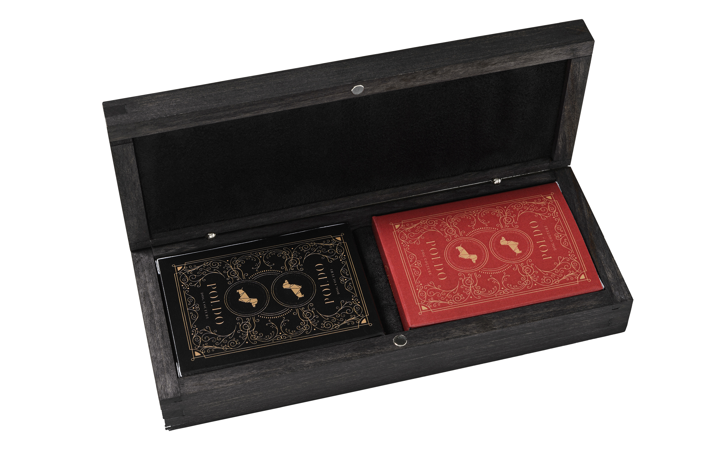 poldo dog couture playing cards set open